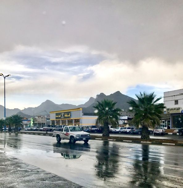 هطول أمطار على معظم محافظات ومراكز #عسير