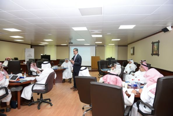 جامعة الملك خالد تستضيف 4 ورش تدريبية لمركز القيادة الأكاديمية