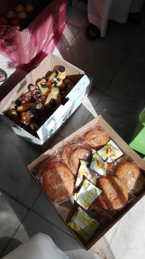 بلدية #تنومة تغلق وتغرم محلاً يبيع مواد غذائية منتهية الصلاحية