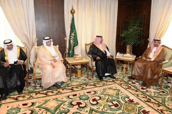الأمير منصور بن مقرن يستقبل أمين عسير  و رئيس وأعضاء المجلس البلدي