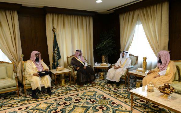 نائب أمير عسير يستقبل مدير هيئة الأمر بالمعروف بالمنطقة
