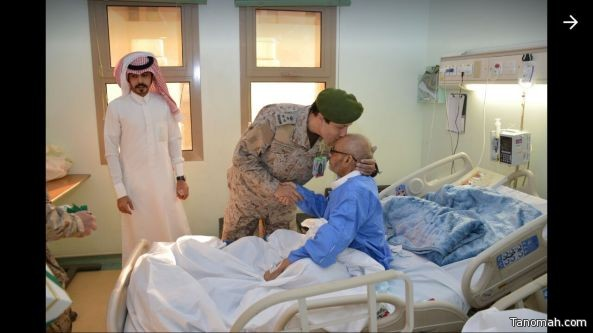 اقامة حفل معايدة للمرضى والمصابين بمستشفى القوات المسلحة بالجنوب