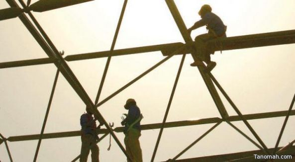 """""""العمل"""" مجدداً: منع العمل تحت أشعة الشمس مستمر حتى منتصف ديسمبر وعقوبات وغرامات لمخالفي القرار"""