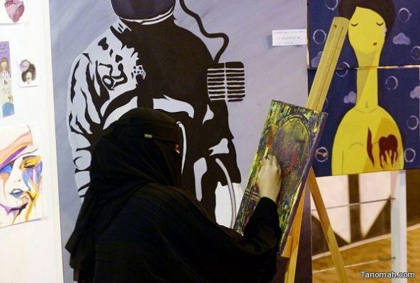 """مدارس مختلفة للتشكيل والخط العربي ترسم ملامح """"شارع الفن"""" بأبها"""