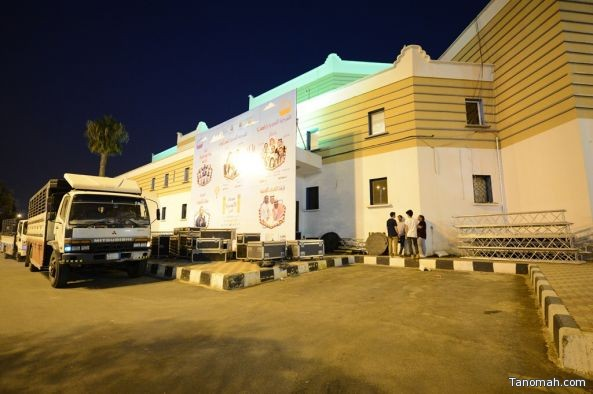 ٢٥ فني يجهزون مسرح المفتاحة لاحتصان مهرجان الكوميديا الدولي