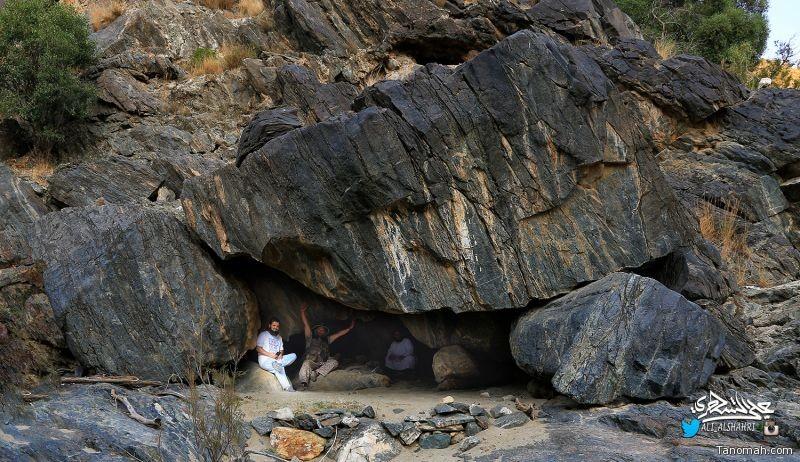 رحلة استكشافية إلى غار الدَّمَّة شمال محافظة تنومة 23-11-1438