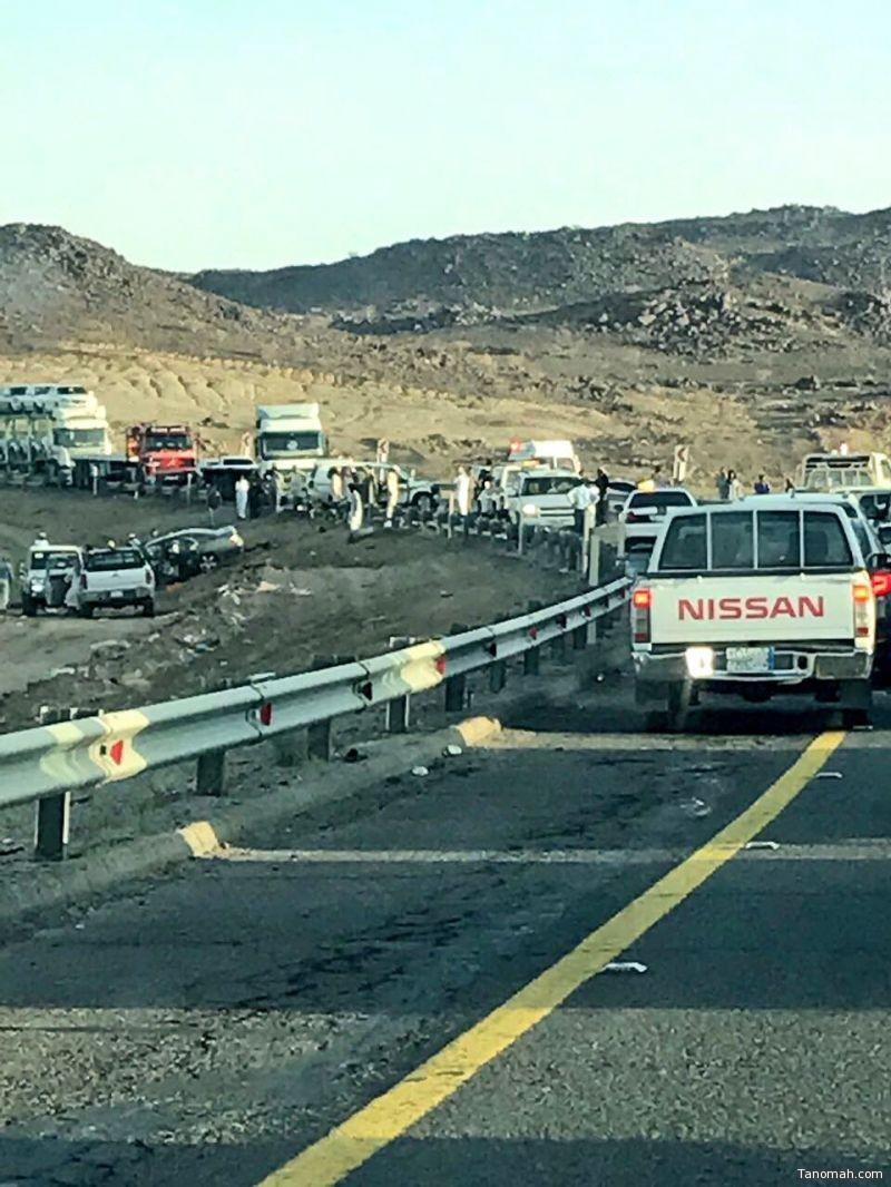 """وفاة ثلاثة أشخاص في حادث مروع على طريق """"#بيشة-#خميس_مشيط"""""""