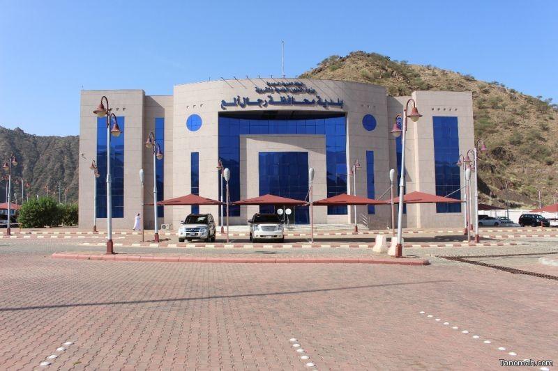 بلدية محافظة رجال ألمع تطلق حملة النظافة الجمعة*المقبل تفاعلآ مع (عسير أجمل)