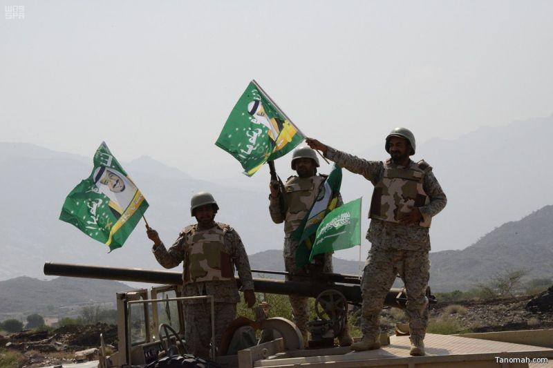 بالصور: أبطال القوات المسلحة على الشريط الحدودي يحتفلون بيوم الوطن