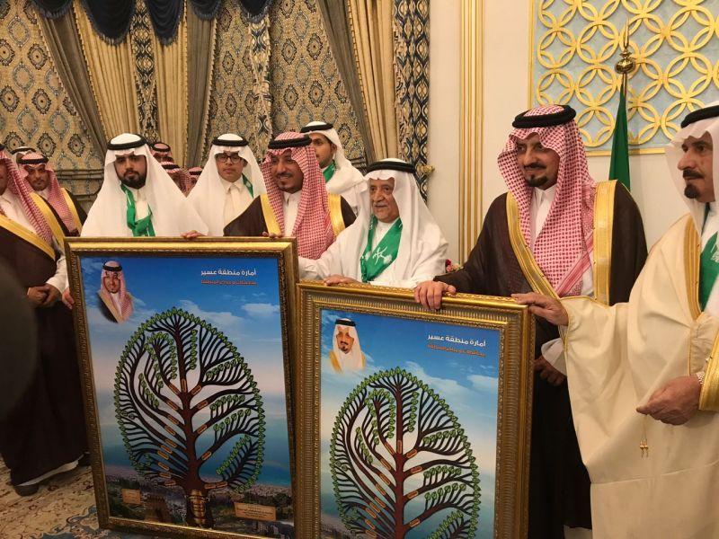 أمير عسير وسمو نائبه يشرفان حفل أسرة آل أبو ملحة بمحافظة خميس مشيط