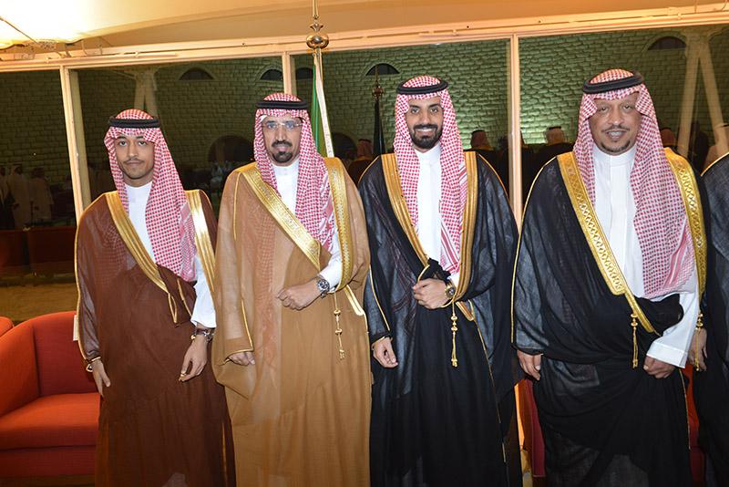 الدكتور عائض بن مشيط يحتفل بزواج نجله الدكتور فايز