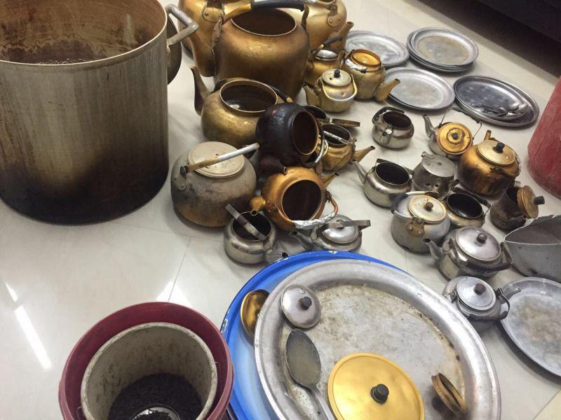 بلدية بارق تصادر ١٠٠ قطعة من الأواني غير صالحة للأستخدام من المقاهي