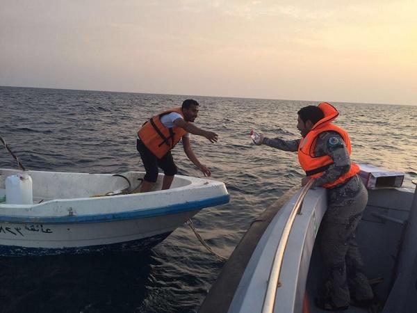حرس الحدود ينقذ قارب في عرض البحر من الغرق بمنطقة عسير