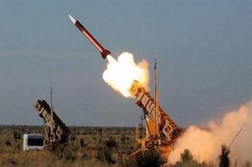 قوات الدفاع الجوي تعترض وتدمر صاروخًا باليستيًّا أُطلق باتجاه أراضي المملكة
