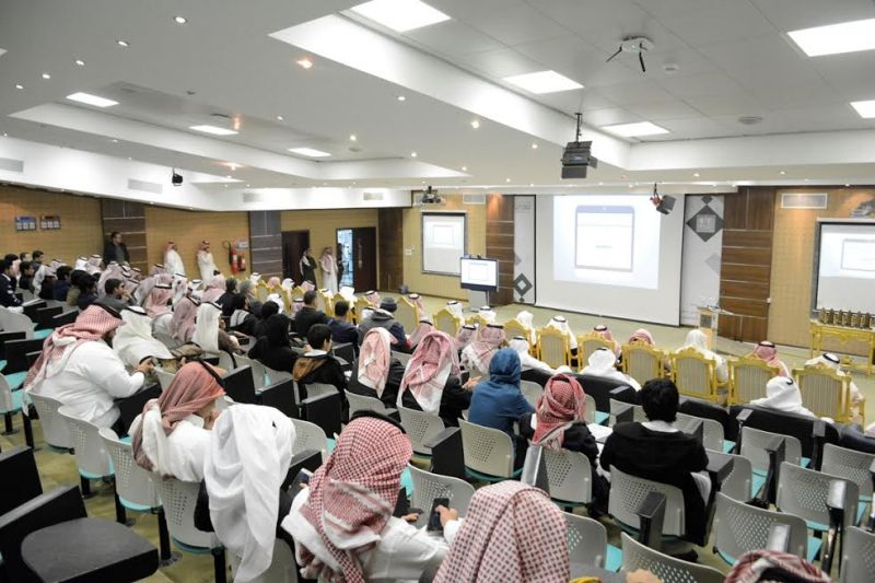 جامعة الملك خالد تقيم معرض القبول السنوي الأول لطلاب التعليم العام
