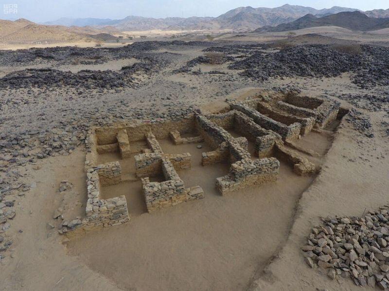 هيئة السياحة تبدأ مشروع التنقيب الأثري في موقع عشم بمنطقة الباحة
