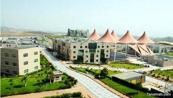 أكثر من ٦٠ ألف طالب وطالبة بجامعة الملك خالد يؤدون الاختبارات