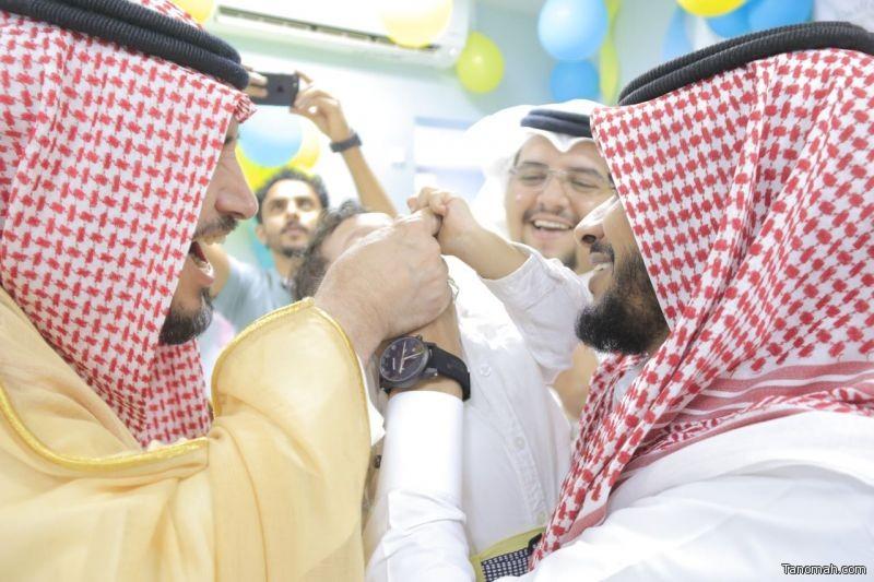 محافظ بارق يدشن الحملة الوطنية للتطعيم ضد شلل الأطفال
