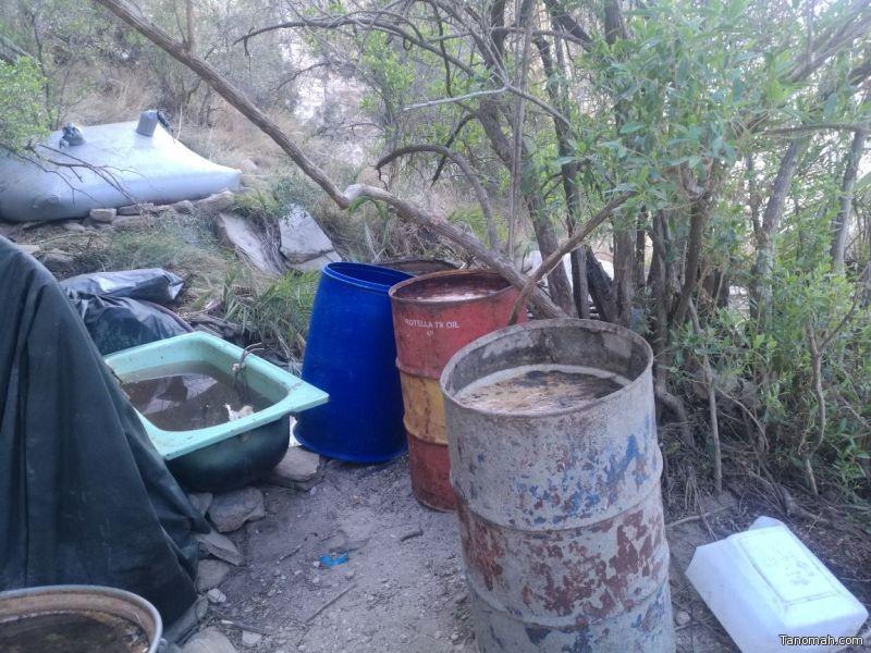 """ضبط مصنع للخمور في """"عقبة ساقين"""" بمحافظة #تنومة"""