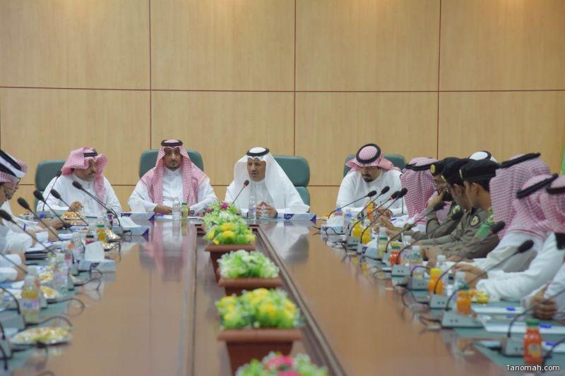 وكيل محافظ بارق يعقد إجتماعاً بأعضاء مجلس الغرفة التجارية الصناعية بأبها