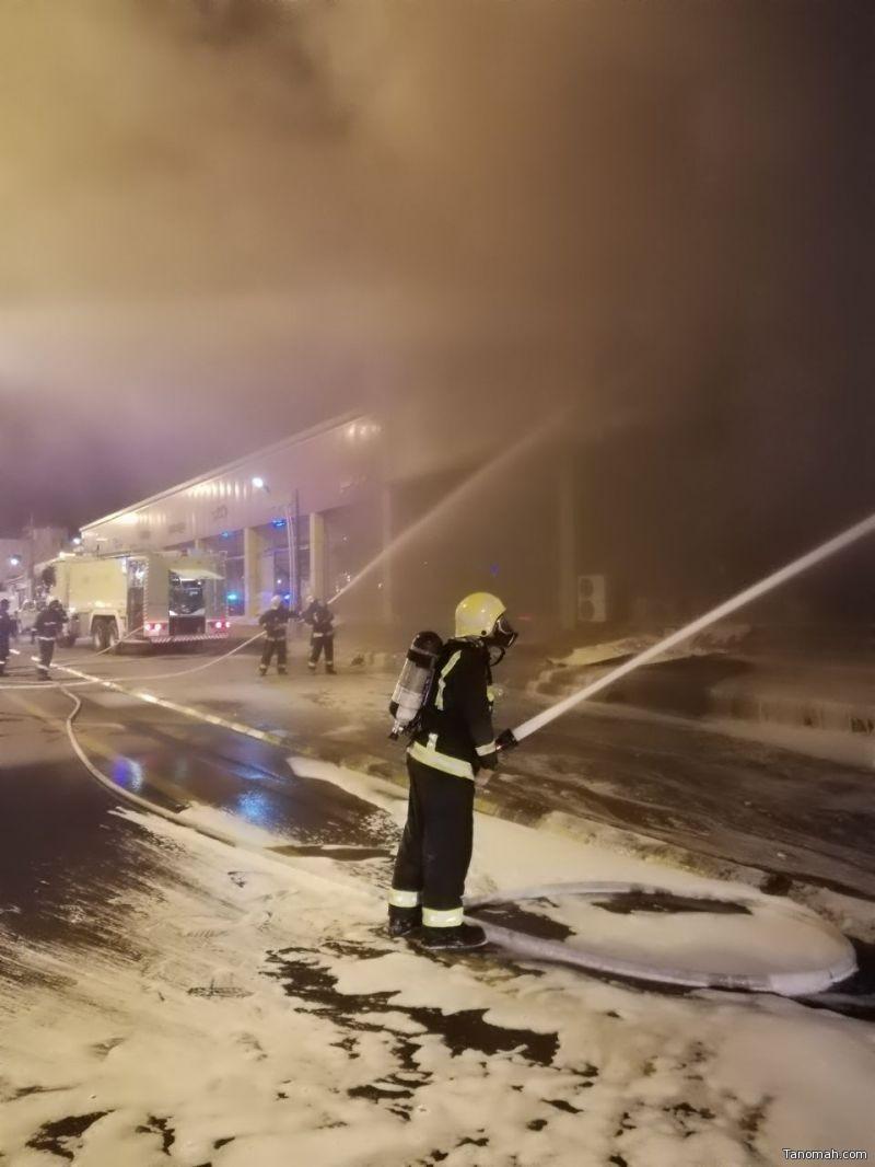 نشوب حريق في محلات تجارية بمحايل عسير