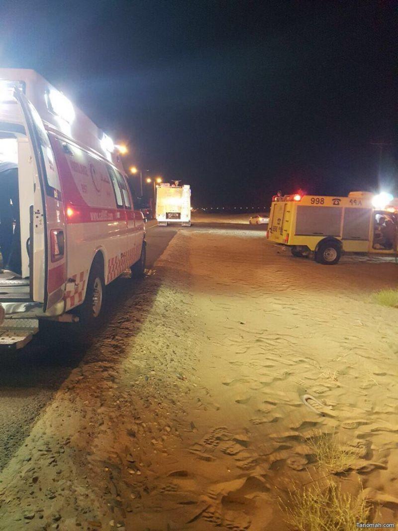 انشغال قائد مركبة يتسبب في وفاة واصابة في طريق #القنفذة