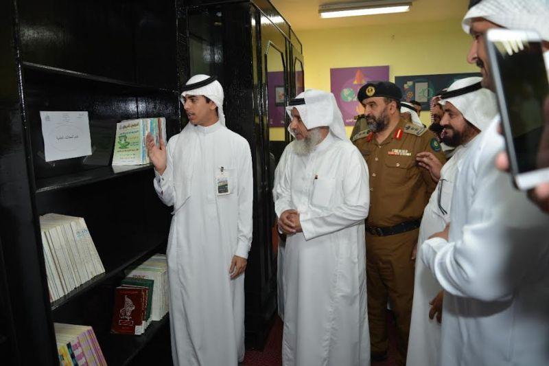 افتتاح مركز للبحوث العلمية بثانوية الملك عبد العزيز بالنماص
