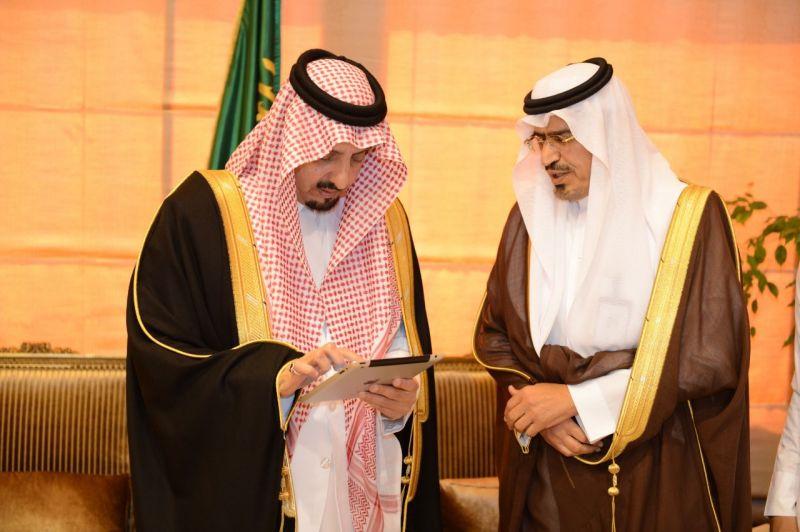 """الأمير فيصل بن خالد يدشن مشروع """" خدمتي """" بتعليم عسير"""