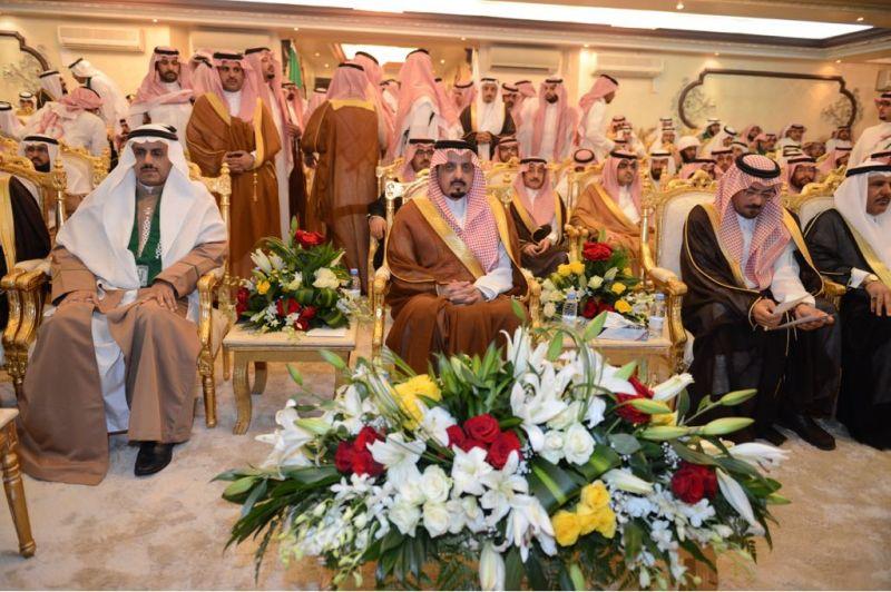أمير عسير يرعى حفل تخريج الدفعة  ال ٢٠ من طلاب وطالبات جامعة الملك خالد