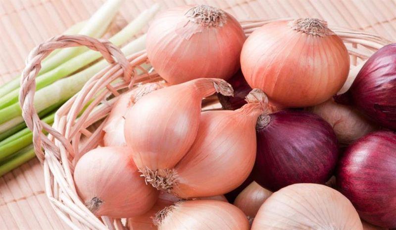 دراسة طبية: البصل يتصدر قائمة المأكولات التي تجلب السعادة