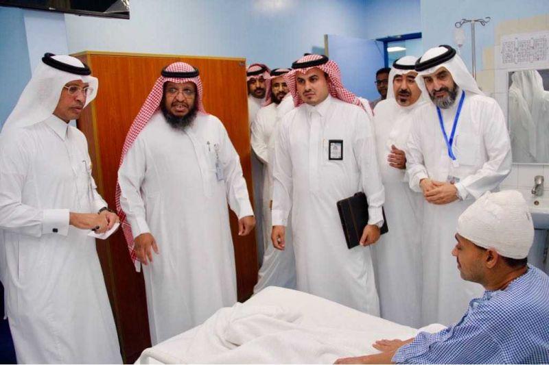 قيادات صحة منطقة عسير في لقاء مع المرضى وموظفي قطاع محايل الصحي