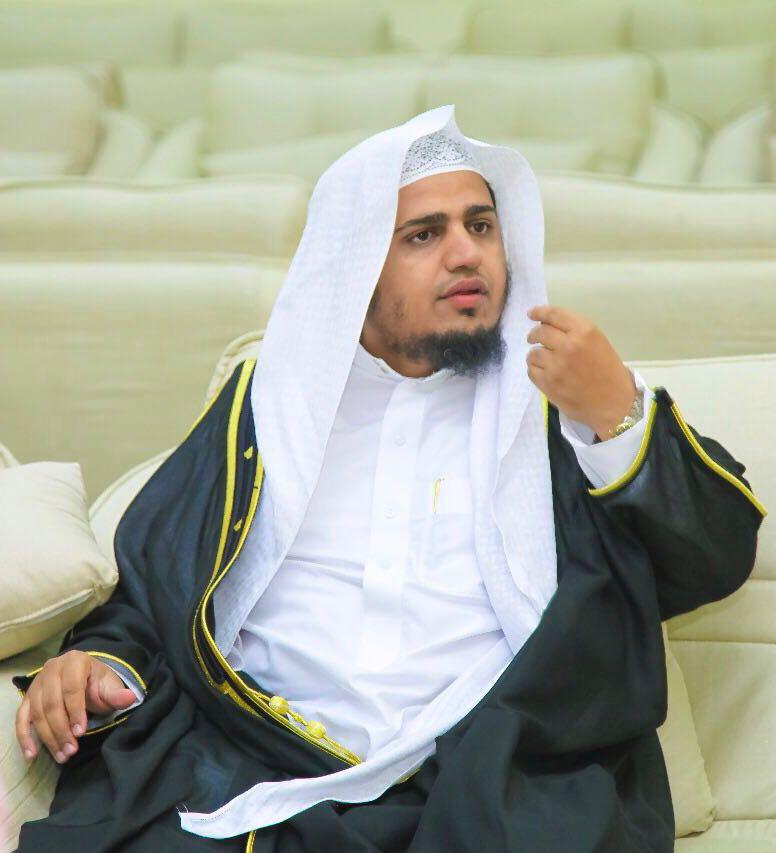 خالد الأثلي يحصل على درجة الماجستير مع مرتبة الشرف الأولى