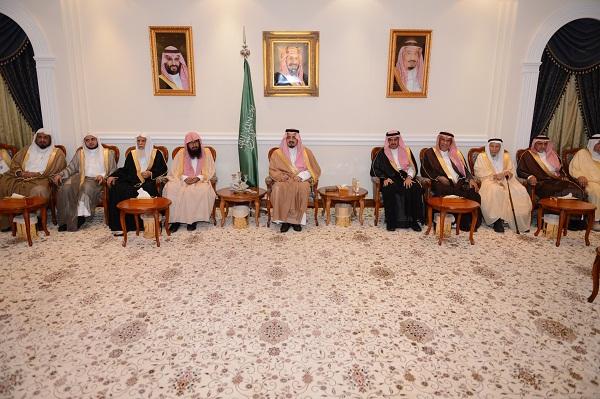 أمير منطقة عسير يلتقي أصحاب المعالي والفضيلة ومديري الإدارات الحكومية بالمنطقة
