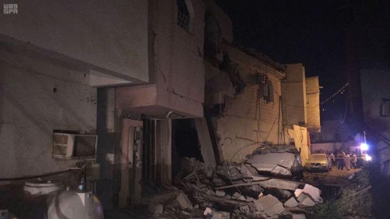قوات الدفاع الجوي الملكي السعودي تعترض صاروخًا باليستياً أطلقته الميليشيا الحوثية الإرهابية التابعة لإيران باتجاه المملكة واستشهاد مقيم يمني جراء تناثر الشظايا