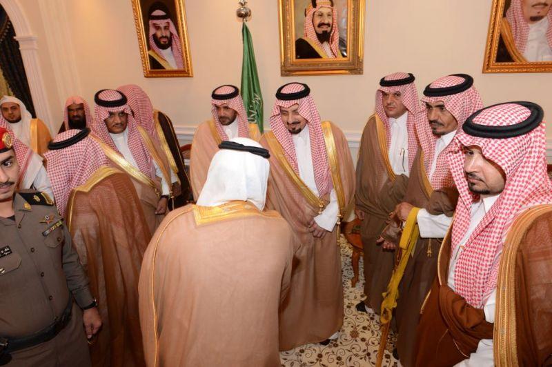 أمير عسير : بناء الإنسان السعودي ورفاهيته أولوية الملك وولي العهد