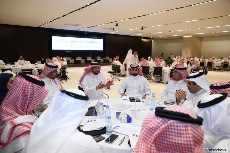 300 مسؤولاً ومختصاً من منظومة العمل والتنمية الاجتماعية وقطاع الأعمال يناقشون في ورشة متخصصة التحديات والحلول الراهنة لسوق العمل