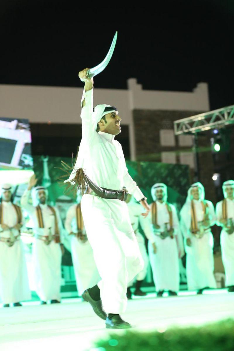 برعاية المحافظ .. بلدية رجال ألمع تقيم إحتفالات اليوم الوطني الـ٨٨ بالقرية التراثية