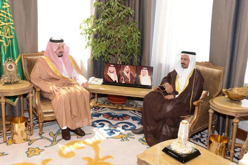أمير عسير يستقبل مدير هيئة الرقابة والتحقيق بالمنطقة