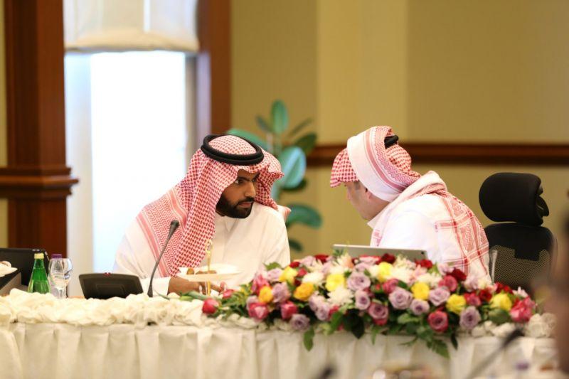 *الأمير تركي بن طلال يعقد الاجتماع الأول لللجنة التأسيسة  دراسة مشروع تطوير وسط ابها
