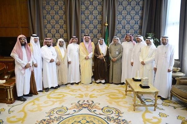 أمير عسير يستقبل رئيس وأعضاء المجلس البلدي بمحافظة النماص