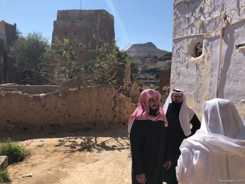 مدير عام الشؤون الإسلامية بعسير يتفقد إدارة المساجد بظهران الجنوب