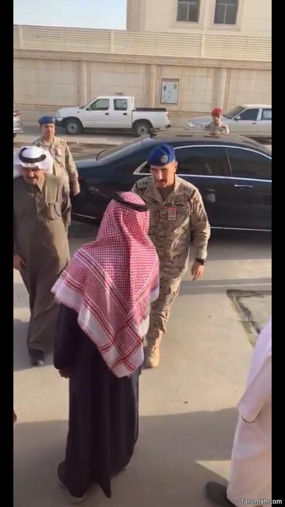 قائد القوات الجوية يقدم واجب العزاء لأبناء واسرة اليوسي