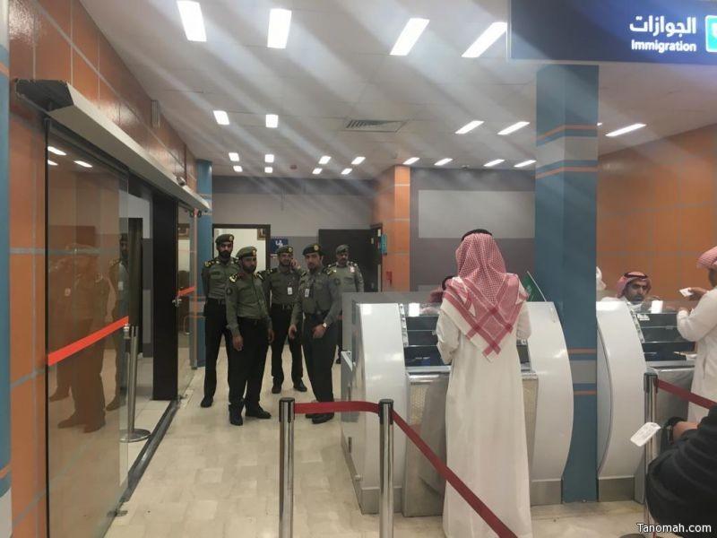 مدير جوازات منطقة عسير المكلف يتفقد جوازات مطار ابها الإقليمي