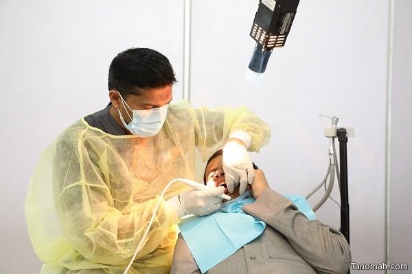 طب الأسنان وعيادات سرطان الثدي تقدم خدماتها لزوار برنامج جامعة الملك خالد ببارق