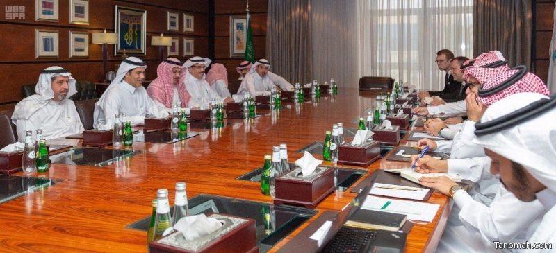أمير عسير يستعرض مع وزير النقل استراتيجية تطوير المنطقة