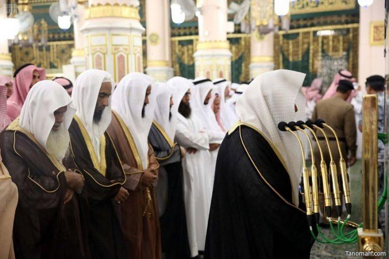 الشيخ السديس يؤم المصلين بالمسجد النبوي ويلقي كلمة توجيهية