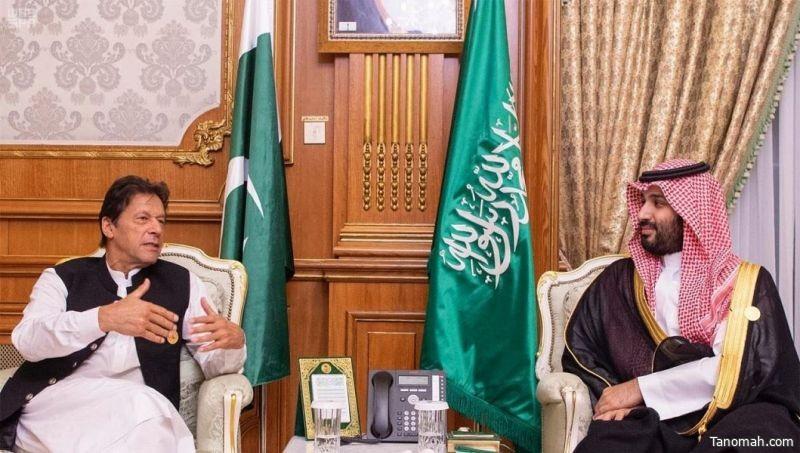سمو ولي العهد يلتقي رئيس وزراء باكستان