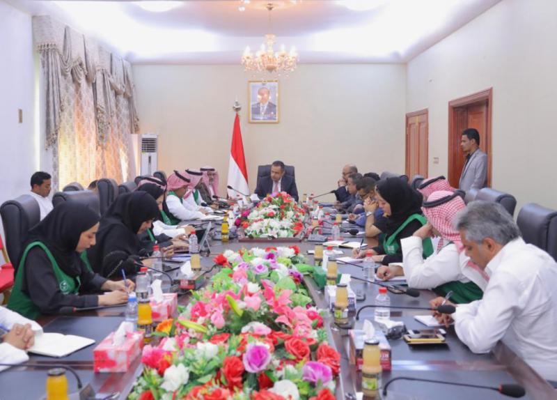 رئيس الوزراء اليمني: المواطن اليمني سيستبشر بمشاريع التنمية والإعمار