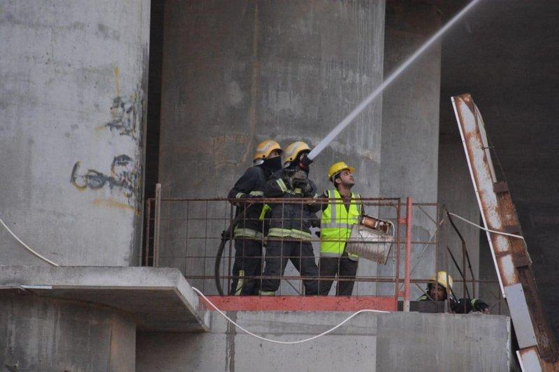 """""""المدني"""": 24 فرقة إطفاء وطيران الأمن شاركوا في إخماد حريق جدة"""