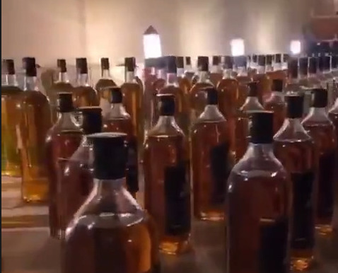 فيديو: كميات من الخمور المستوردة في قبضة #شرطة_الرياض